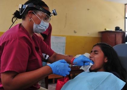 Twoje dziecko i pierwsza wizyta u dentysty